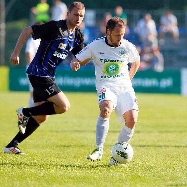 Tomasz Foszmańczyk z kolegami z Warty Poznań zakończy sezon meczem z Wisłą Płock.