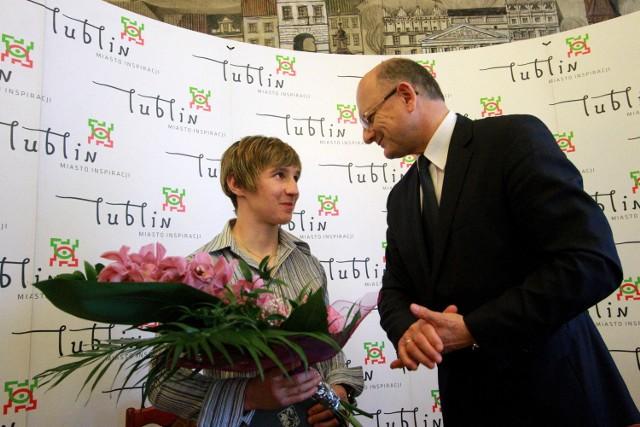 Karolina Michalczuk i Krzysztof Żuk, prezydent Lublina, podczas niedawnego spotkania w ratuszu