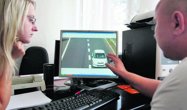 Nasza dziennikarka Anna Zielonka sprawdza, jak działa monitoring w Jaworznie