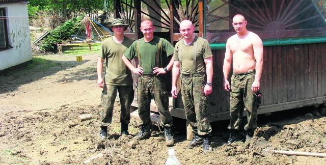 Żołnierze od zawsze pomagali ludziom podczas klęsk żywiołowych. Teraz wspomogą ich Narodowe Siły Rezerwowe