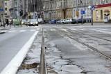 Mój reporter: Czy ulica Nowowiejska w końcu doczeka się remontu nawierzchni i torowiska?