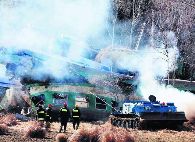 3 marca, podczas czołowego zderzenia dwóch pociągów w miejscowości Chałupki w pobliżu Szczekocin, zginęło w sumie 16 osób, a 57 zostało rannych