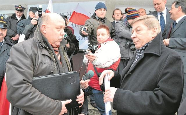 Kilka dni temu obrońcy linii kolejowych pikietowali w Chojnicach