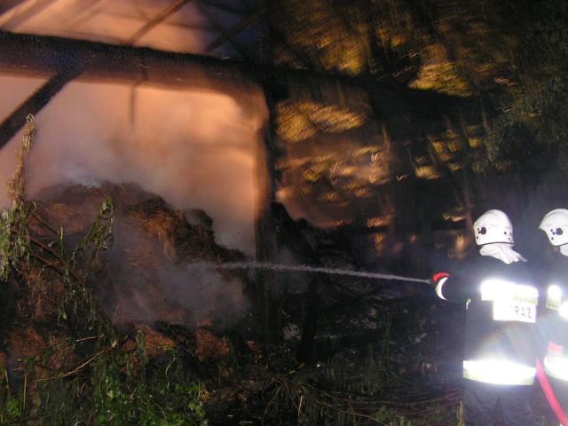 Stodoła w Dziekanowicach spłonęła doszczętnie