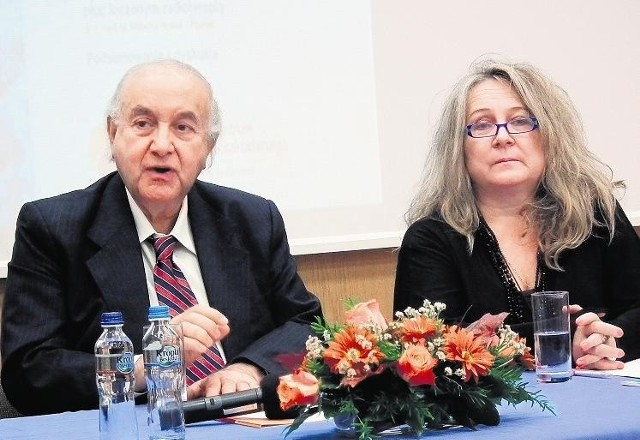 Prof. Habib Fakhrai i prof. Ewa Carrier odwiedzili poznańskie sympozjum raka płuc