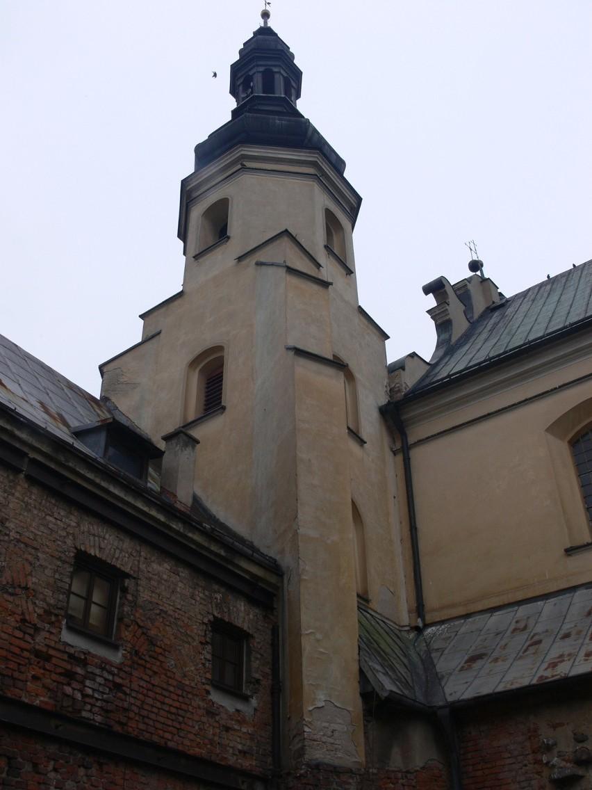 Klasztor w Warcie wymaga natychmiastowego remontu. W sobotę bernardynie organizują procesję Matki Boskiej Zaśniętej, a w poniedziałek Pierwszy Bernardyński Festyn Parafialny.