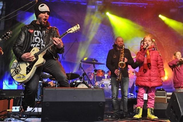 Na początek finału Wielkiej Orkiestry Świątecznej Pomocy w Poznaniu wystąpiła grupa Arka Noego, która rozgrzała publiczność