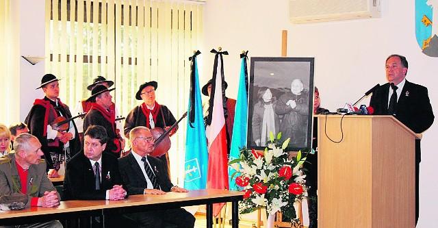 Ciepłe słowa, osobiste wspomnienia o tych, co zginęli w Smoleńsku, padały wczoraj podczas żałobnej sesji w Zakopanem