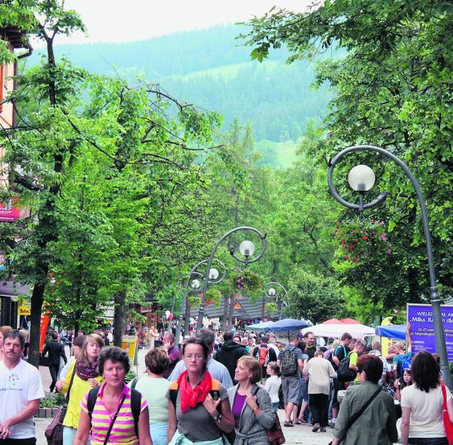 Wystarczyły dwa dni pogody, żeby turyści zaczęli jednak przyjeżdżać pod Tatry