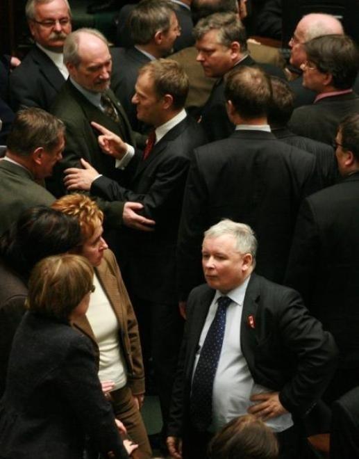 W depeszach WikiLeaks można znaleźć opinie Amerykanów m.in. o Antonim Macierewiczu, Jarosławie Kaczyńskim i Donaldzie Tusku