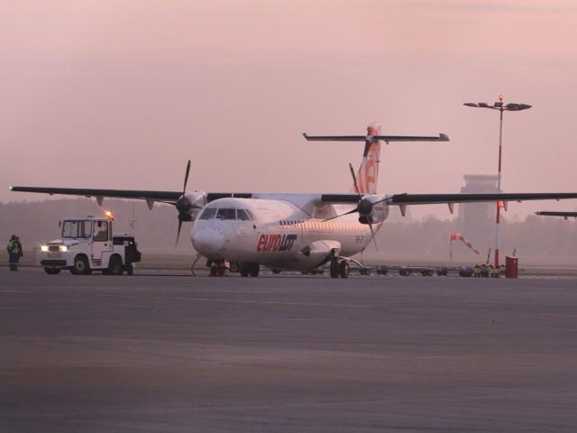 Łódzkie lotnisko w środę od rana zostało zamknięte z powodu mgły. Port rozpoczął pracę przed 10:00.