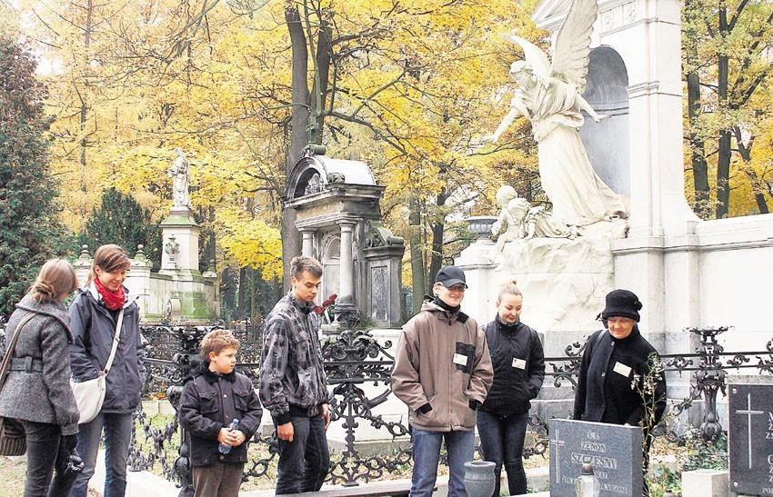 Kwesta na Starym Cmentarzu przy Ogrodowej trwa do wtorku.