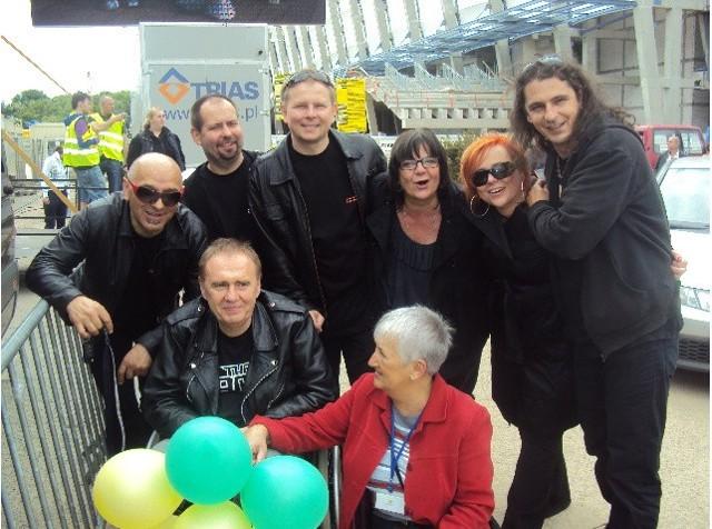 Marek Siwek z rodziną, przyjaciółmi i zespołem Lombard
