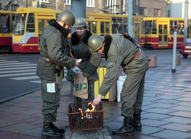 Inscenizacja  upamiętniająca 30-tą rocznicę wprowadzenia stanu wojennego wymusiła zmianę tras tramwajów i autobusów MPK.