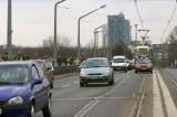 Poznań: Bezmyślny kierowca na moście Królowej Jadwigi. Zobacz jak wyprzedza! [FILM, MAPA]