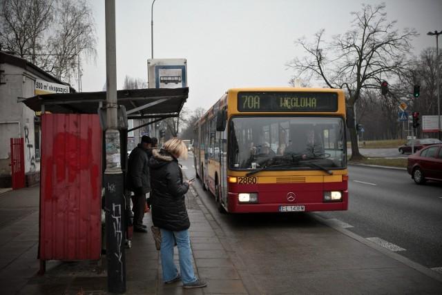 Podopieczni noclegowni podróżują linią 70 do Śródmieścia