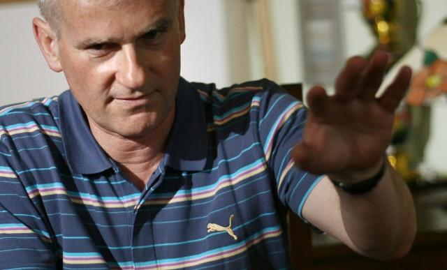 Michał Listkiewicz ogłosił właśnie, że został namaszczony przez prezydenta UEFA Michela Platiniego, by rządzić PZPN do Euro 2012