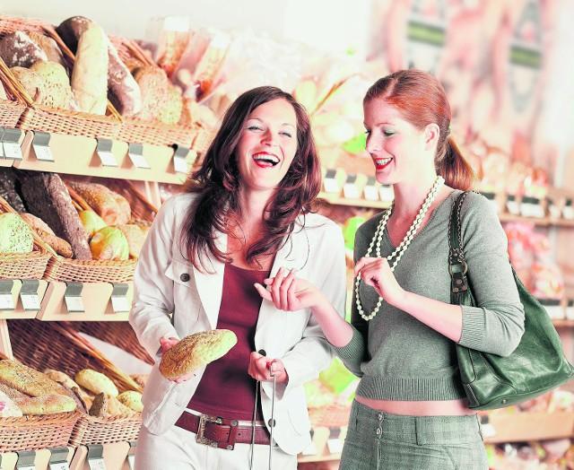 Świeże i pachnące pieczywo. Ile razy dotknięte przez kupujących?