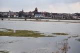 Pomorze: Wzrasta poziom wody w Wiśle. IMGW wydaje kolejne ostrzeżenie