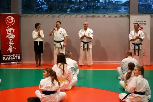 Sosnowiecki Klub Karate od lat organizuje seminaria dla dorosłych. Tym razem shihan Eugeniusz Dadzibug 6 dan poprowadził seminarium dla dzieci i młodzieży.