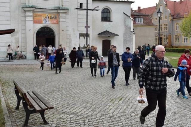 Święcenie pokarmów w Krośnie Odrzańskim. Pochwalcie się swoim koszykiem wielkanocnym.