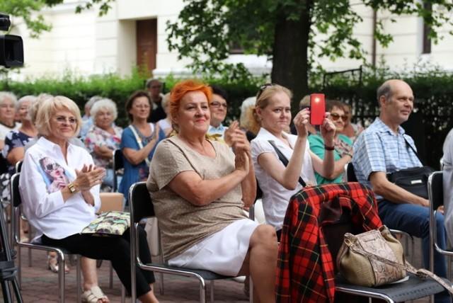 """Koncert kapeli """"Fakiry"""" w OEA MOK w Piotrkowie"""