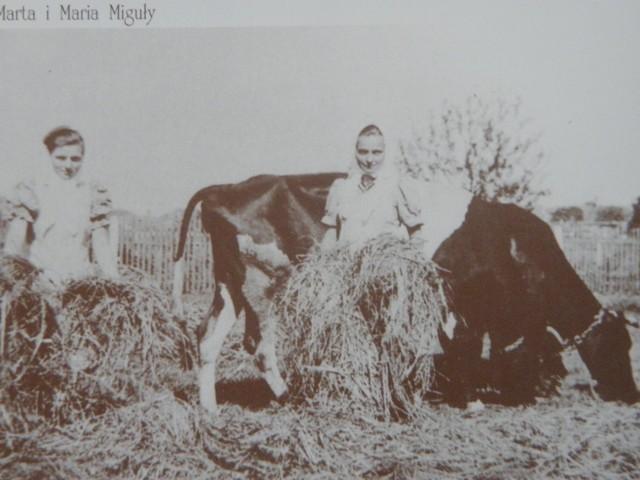Marta i Maria Miguły. Zdjęcie zostało zrobione w 1939 roku. Fotografia pochodzi ze zbiorów M. Piechaczek