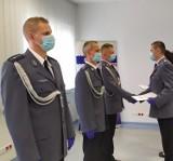Powiatowe Obchody Święta Policji 2021 w Sępólnie Krajeńskim. Awanse odebrało 12 funkcjonariuszy [zdjęcia]