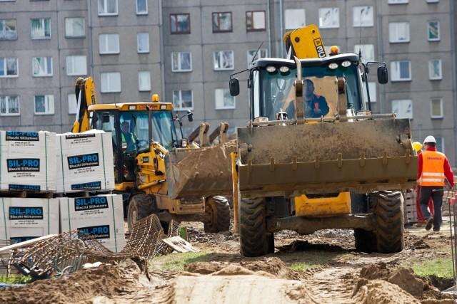 Społeczne inicjatywy mieszkaniowe (SIM) mają umożliwić sprawną budowę mieszkań w gminach.