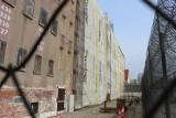 Termomodernizacja Zakładu Karnego w Rawiczu na półmetku. Zakończono prace przy budynkach administracyjnych i pawilonie mieszkalnym [ZDJĘCIA]