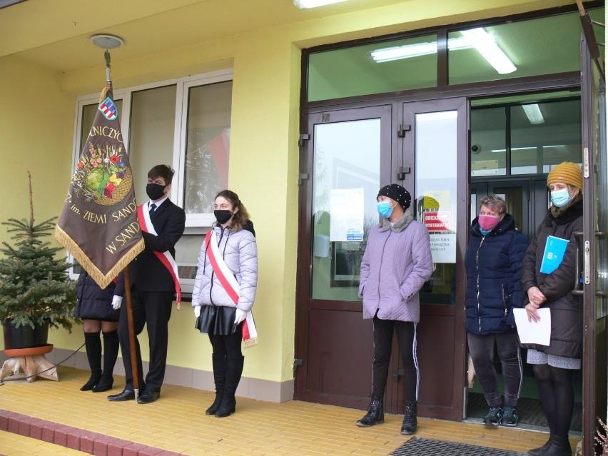 Młodzież Zespołu Szkół Centrum Kształcenia Rolniczego w Sandomierzu Mokoszynie upamiętniła Żołnierzy Wyklętych [ZDJĘCIA]