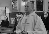 Jezuita, Krzysztof Pietruszkiewicz, zasłabł podczas odprawiania mszy w Łodzi. W sobotę odbędzie się jego pogrzeb