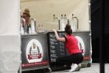 Wakacje; 12.08.2020. Drożej nad morzem i w domu - trzeba płacić za piwo średnio 5,5 proc. więcej niż rok temu. Dlaczego drożeje piwo