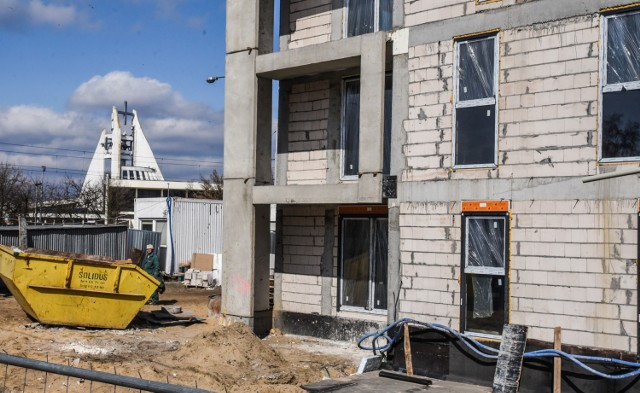 Osiedle Boży Dar w pobliżu ul. Szpitalnej w Bydgoszczy. Trwa budowa pierwszego z czterech budynków wielorodzinnych