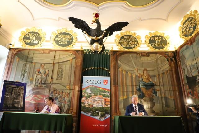Prace konserwatorskie w brzeskiej Sali Rajców będą kontynuowane.