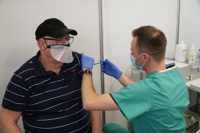 Na MPT trwają szczepienia nauczycieli i seniorów