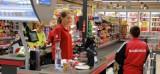 Sprawdź zarobki w Biedronce, Lidlu, Tesco, Auchan, Tesco, Kauflandzie...