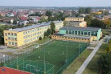 Szkoła Podstawowa nr 3 w Bełchatowie zamknięta z powodu koronawirusa. Co z uczniami?