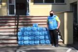 #zarażamydobrem Piłkarze z Potrzanowa oddali szpitalowi swoją wodę