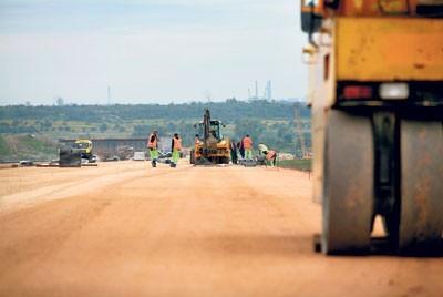 Odcinek A1 w okolicach Bobrownik jest już przygotowywany do położenia asfaltu. W Pyrzowicach kilometr trasy jest już wyasfaltowany