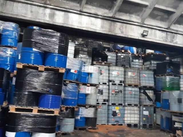 W Częstochowie nielegalne składowisko odpadów znajduje się na ulicy Filomatów. Na miejscu interweniowała już kilka razy Straż Pożarna