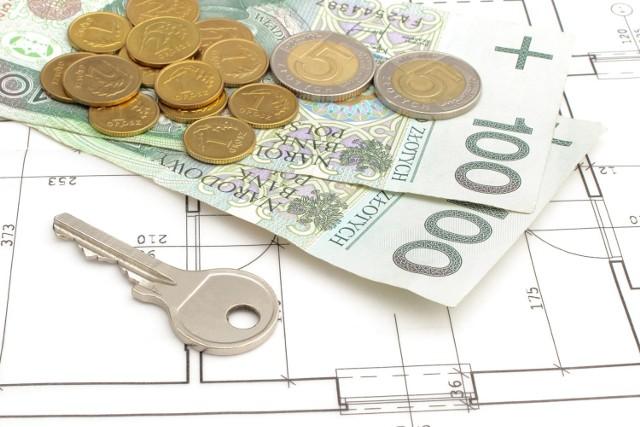 Wraz z trudnościami finansowymi związanymi z pandemią i zaostrzeniem polityki przez banki spadła liczba udzielanych kredytów mieszkaniowych.