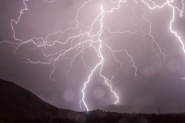 Ostrzeżenia meteorologiczne. Uwaga na burze i grad