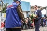 Gdańsk: Premier Mateusz Morawiecki złożył kwiaty pod historyczną Bramą Nr 2 Stoczni Gdańsk