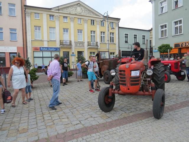 Podczas Wystawy Zabytkowych Pojazdów w Wąbrzeźnie można było zobaczyć nawet 200 samochodów
