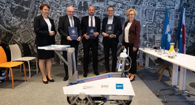 Porozumienie dotyczące współpracy podpisali partnerzy programu: przedstawiciele Urzędu Miasta Rzeszowa, Asseco Poland oraz Instytutu Badań Edukacyjnych