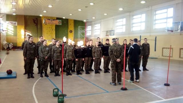 Wojskowy dzień szkoleniowy odbył się w V LO w Kaliszu
