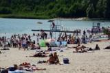 Tak się wypoczywa nad jeziorem Ostrowskim. Lato i wakacje na plaży w Przyjezierzu. Zobaczcie zdjęcia