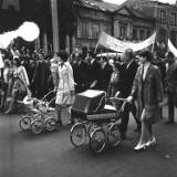 Pochody pierwszomajowe na archiwalnych zdjęciach. Zobacz jak świętowali mieszkańcy Lubelszczyzny