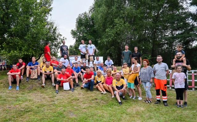Turniej piłki siatkowej w Hutkach, gm. Bolesława, 31 lipca 2021